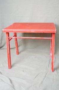 Atelier Fleur de Mai relooking table enfant avant